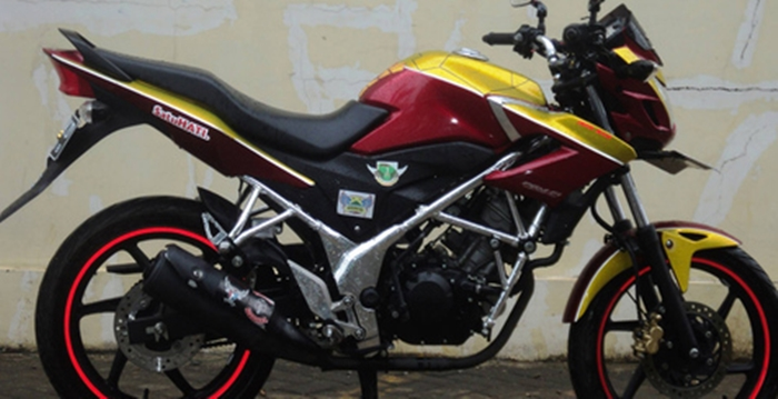 Modifikasi-Honda-CB150R-Tema-Iron-Man