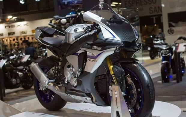 All New Yamaha YZF-R1M GIIAS 2015